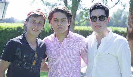 Luis Tinajero, Carlos Rosales y Fede Delgado.