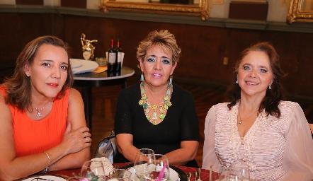 Isabel Castillo, Ana María Castillo y Gabriela Meade.