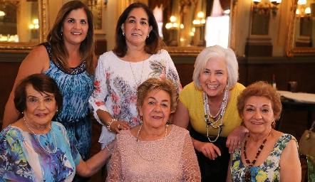 Celebración del día de las Madres en La Lonja.