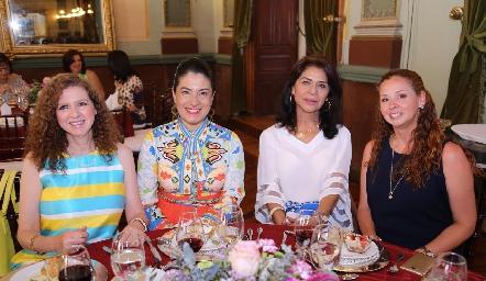Cora Sánchez, Ana Luisa de Macías, Paula González y Giselle Fernández.