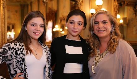 Francine Vilet, Nicole Vilet y Maru Vilet.
