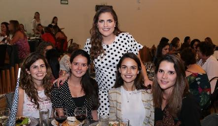 Isa Garza, María Fernanda Díaz, Danitza Lozano, Marcela Díaz Infante y Jessica Martín Alba.