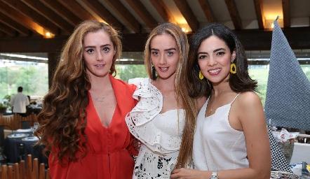 Diana y Denisse Favela con Nadia Solis.