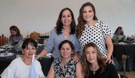 Maru Díaz, Danitza Lozano, Lourdes de la Mora, Claudia Ávila y Anna Astrid Navarro.