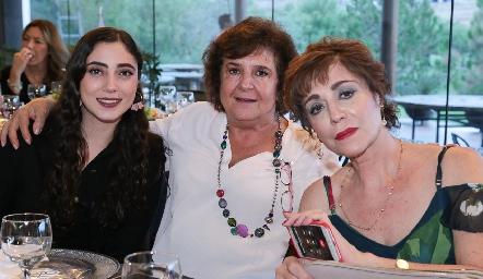 Isabela Zollino, Ana María y Beatriz Dauajare.