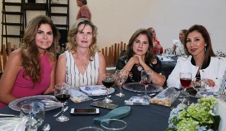 Martha Díez Gutiérrez, Carmen de Velasco, Margarita Martínez y Mucia Salazar.