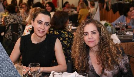Liliana Meza y Gaby Serment.