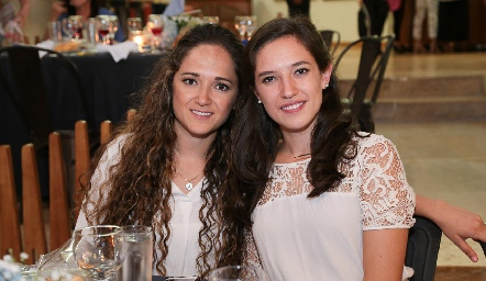 Alejandra y Valeria Rangel.