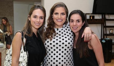 Liliana Rodríguez, Danitza Lozano y Ale Rosales.