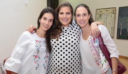 Maricarmen Meade, Danitza Lozano y Begoña del Valle.