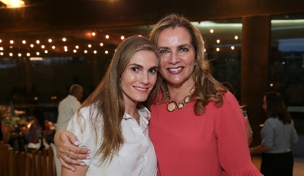 Carla Huber y Patricia del Bosque.