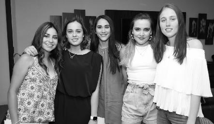 Montse Robles, Alejandra Martínez, Rocío Ramírez, Denisse Valle y Anita Munguía.