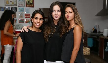 Alejandra Martínez, Renata Castillo y Marisa Anaya.