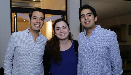 Jorge, Sofía y José Domínguez.
