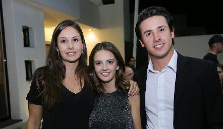 Alejandra Díaz Infante, Melissa Meade y José Manuel Díaz Infante.
