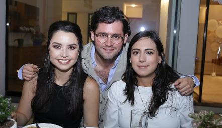 Gaby Díaz Infante, Abraham Salgado y María Berrueta.