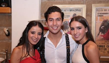 Daniela Navarro, Rafa Villanueva y Ana Sofi Aldrett.