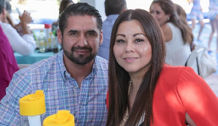 Raúl Robles y Vanessa Rocha.