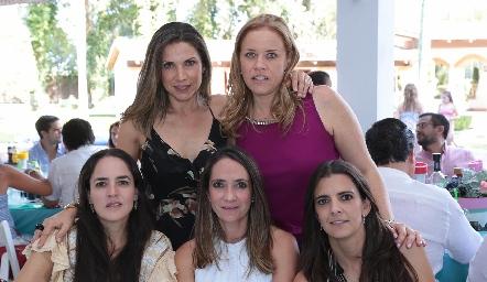 Mayra Ortega, Mariana Torres, Nancy Puente, Ximena Ibarra y Daniela Rivero.
