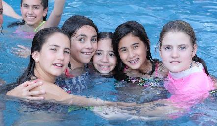 Alexa, Marijó, Javi, María y Emilia.
