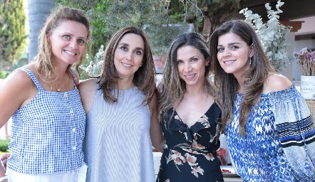 Daniela Alcalde, Nuria Ejarque, Mayra Ortega y Yezmín Sarquis.