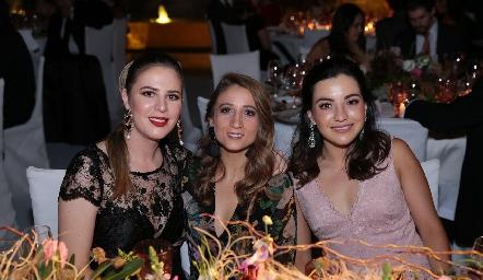 Luli Robles, Sofía César y Yusa de la Rosa.