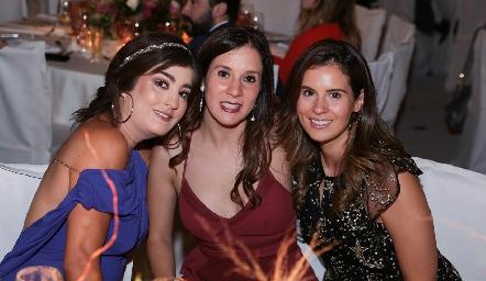 Silvana Zendejas, María Domínguez y Valeria Flores.