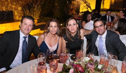 Jeanfranco Pizzuto, Alejandra Allende, Giselle Báez y Mauricio Allende.