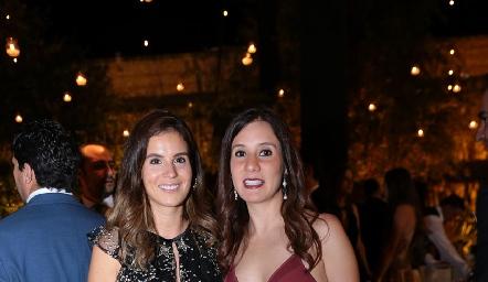 Valeria Flores y María Domínguez.