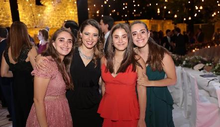 Ana Isabel Revuelta, Móni Cano, Alexia y María Paula Revuelta.