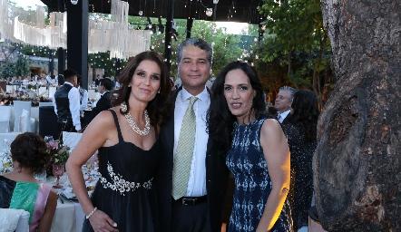 Marisol, Mauricio y Cecilia.