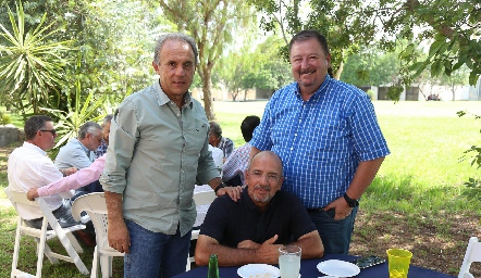 Javier Sánchez, Marcelo Meade y Pato Mendizábal.