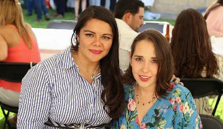 Martha Alicia Acevedo y María Canales.