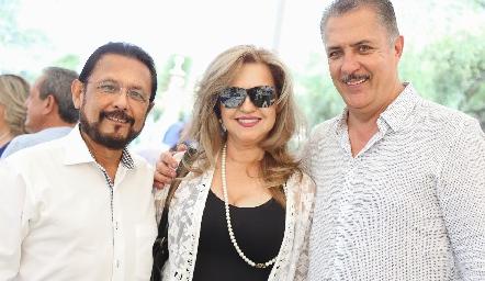 Toño Acosta, Zulema Sánchez y Rolando Hervert.