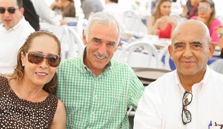 Marcela de Zapata, Alejandro Zapata y Alejandro Leal.