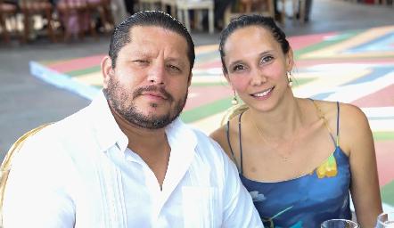 Víctor Priego y Abigail Zacarías.
