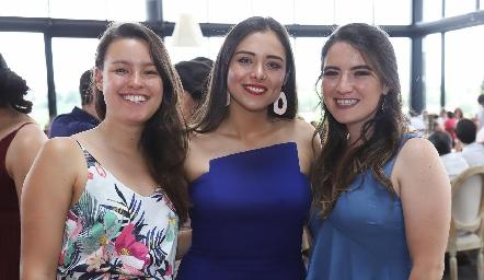 Tania Sánchez, Nadia Pamela y Ana Paula.