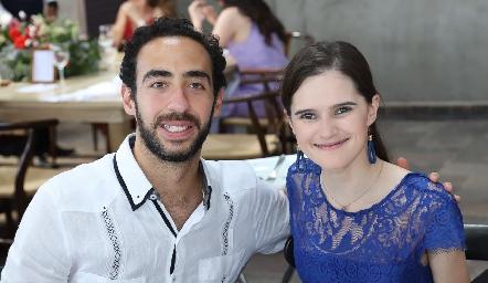 José Luis Pinto y Fernanda Chávez.