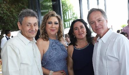 Alejandro Díaz de Sandi, Maricruz, María Maza y Jorge Meade.