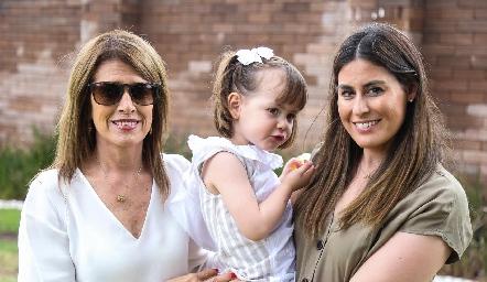 Pupi Foyo, Sofía y Andrea Fernández.