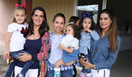 Eugenia, Sandra Villasuso, Paty, Paty Martell, Barbarita y Bárbara Berrones.