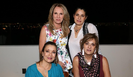 Lupita Pereda, Rigeb Salazar, Soledad Vega y Ana Mary Lorca.