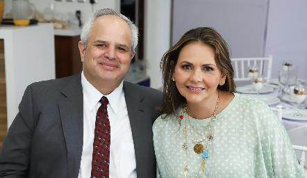 Héctor Dávila y Toyita Villalobos.