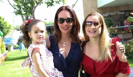 Vale, Mariana Ruiz y Michelle Baeza.