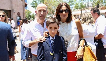 Juan Carlos, Juan Carlos Nieto y Claudia  Artólozaga.