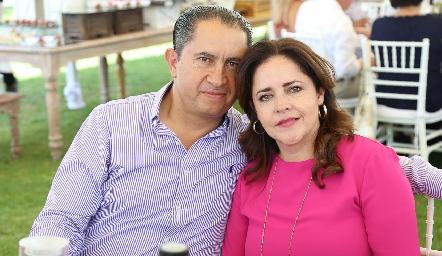 Javier Córdova y Gabriela Carreón.