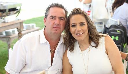 Emilio Heinze y Michelle Zarur.