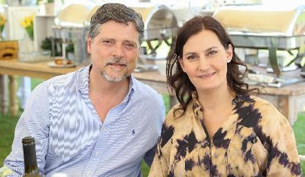 Guillermo Humara y Sandra Morelos.
