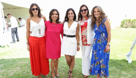 Claudia Artolózaga, Lorena Torres, Anilú Enríquez, Deyanira Cázares y Karina Vita.