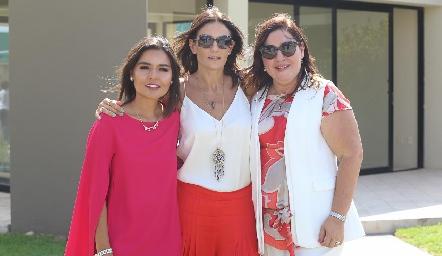 Lorena Torres, Claudia Artolózaga y Deyanira Cázares.